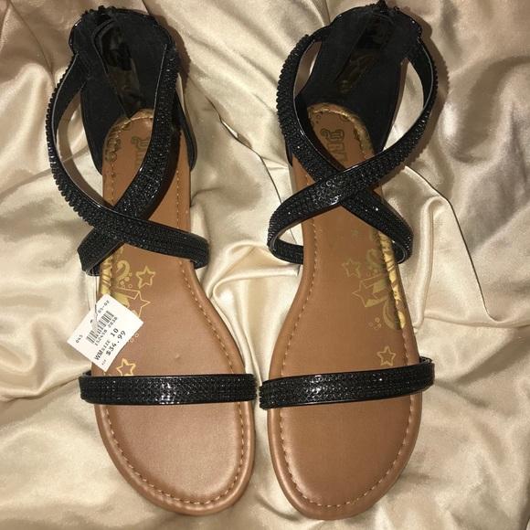9c35962d47a NWT BRASH sandals